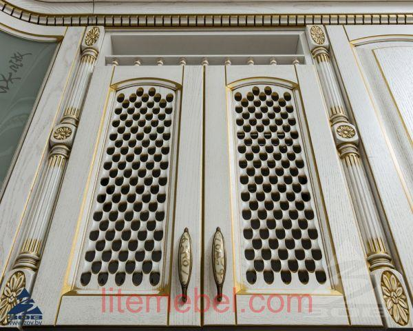 Кухня с фасадами массив Ясеня Т 512 / 115