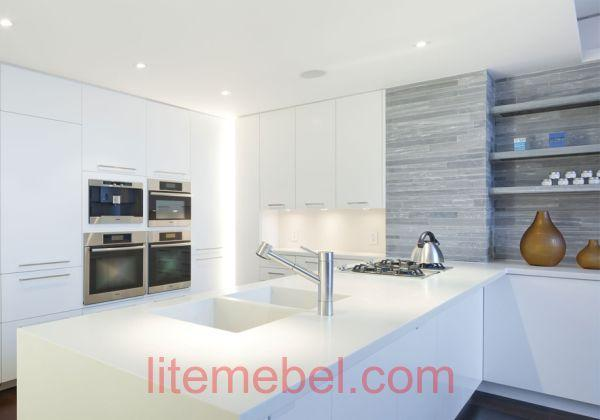 Кухня с фасадами Пластик Феникс (Fenix matt)