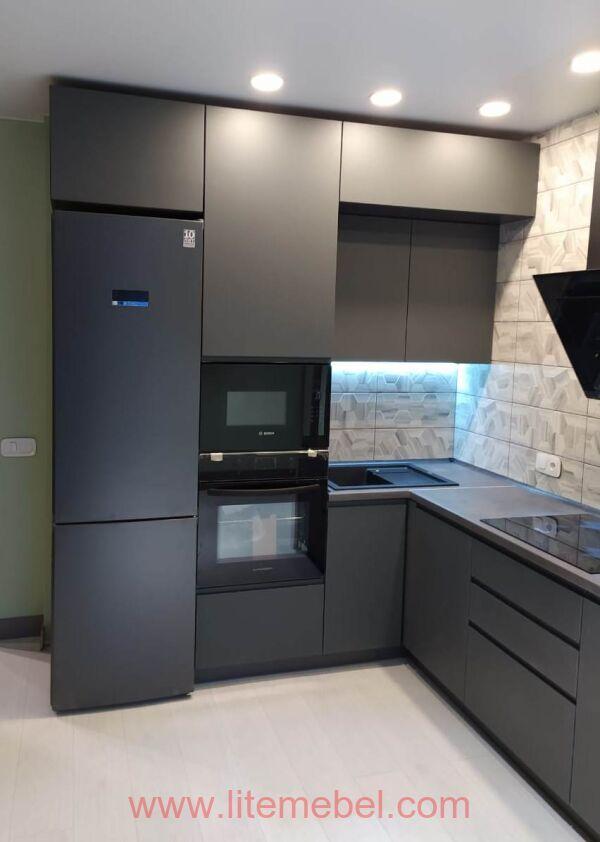 Кухня с крашенными фасадами Система КВ, проект №2147