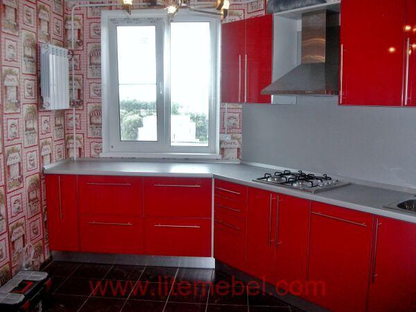 Кухня с пластиковыми фасадами, Проект № 3732