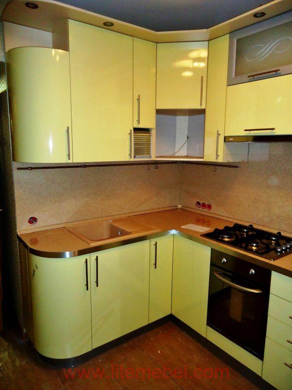 Кухня с пластиковыми фасадами, Проект № 3426